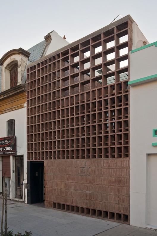 Brick House / Ventura Virzi arquitectos, © Federico Kulekdjian