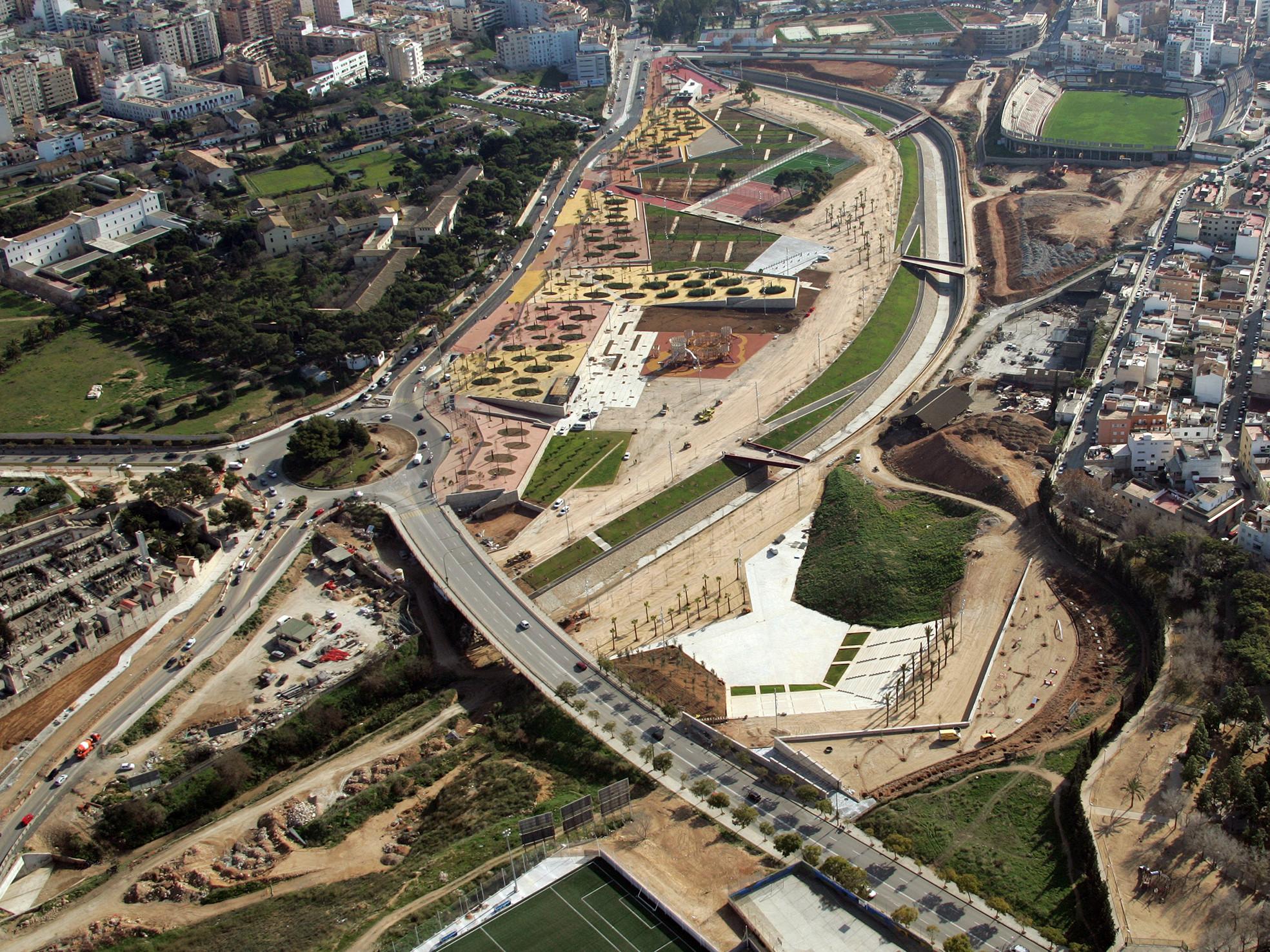 Parque de sa riera ravetllat ribas arquitectos plataforma arquitectura - Arquitectos palma de mallorca ...