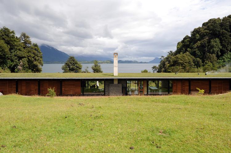 Casa en el lago Rupanco / Izquierdo Lehmann, © Luis Izquierdo