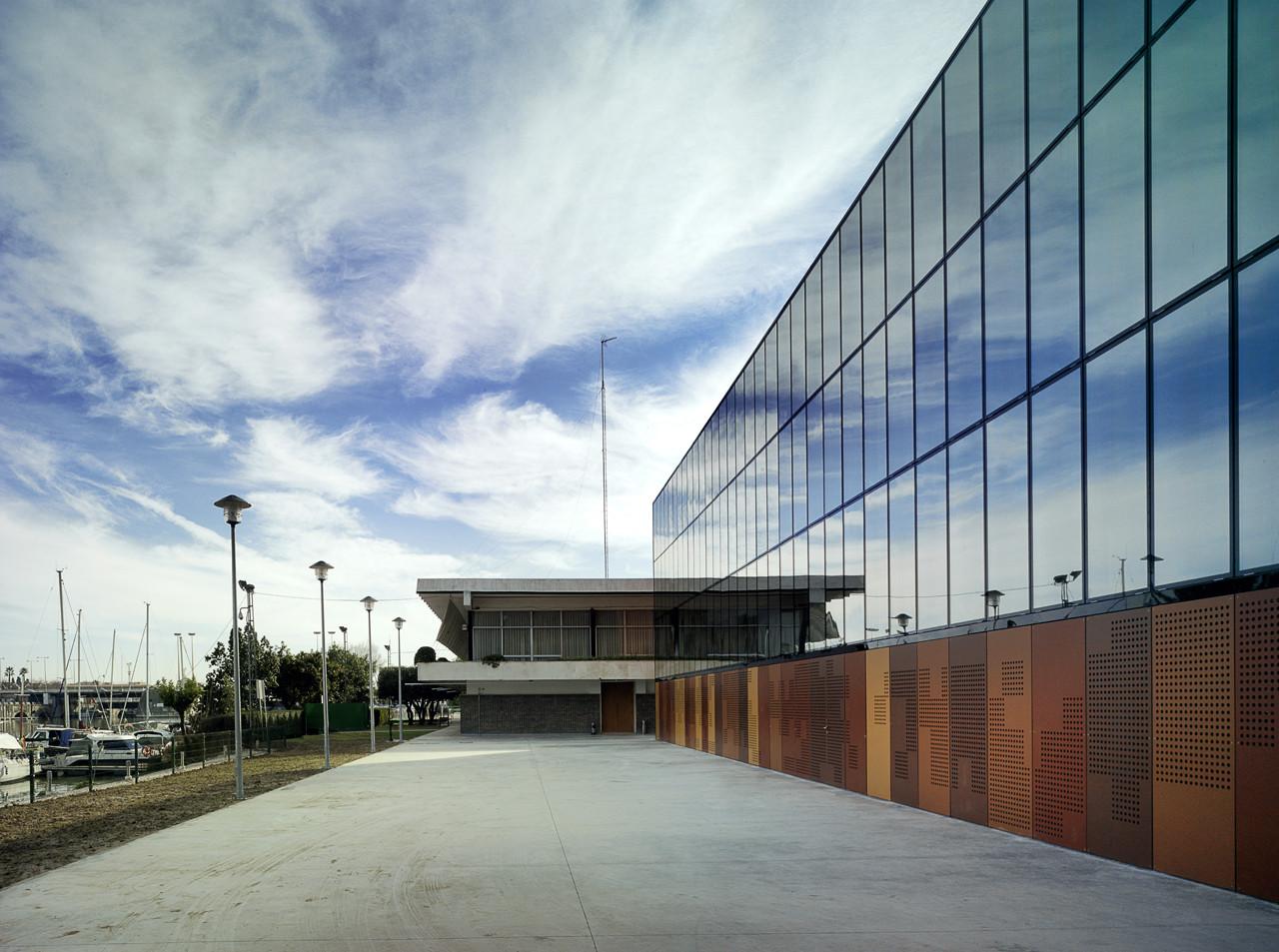 Nuevo Gimnasio del Club Náutico de Sevilla / Trianera de Arquitectura