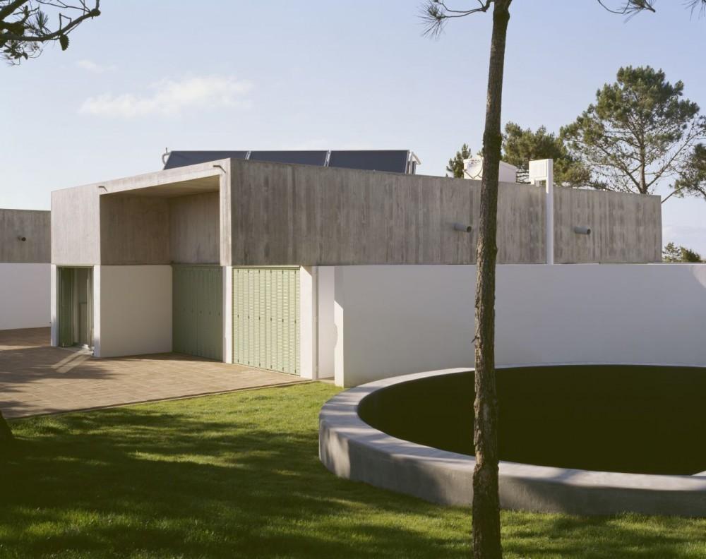 Casa en Azóia / Ricardo Jacinto + Steven Evans
