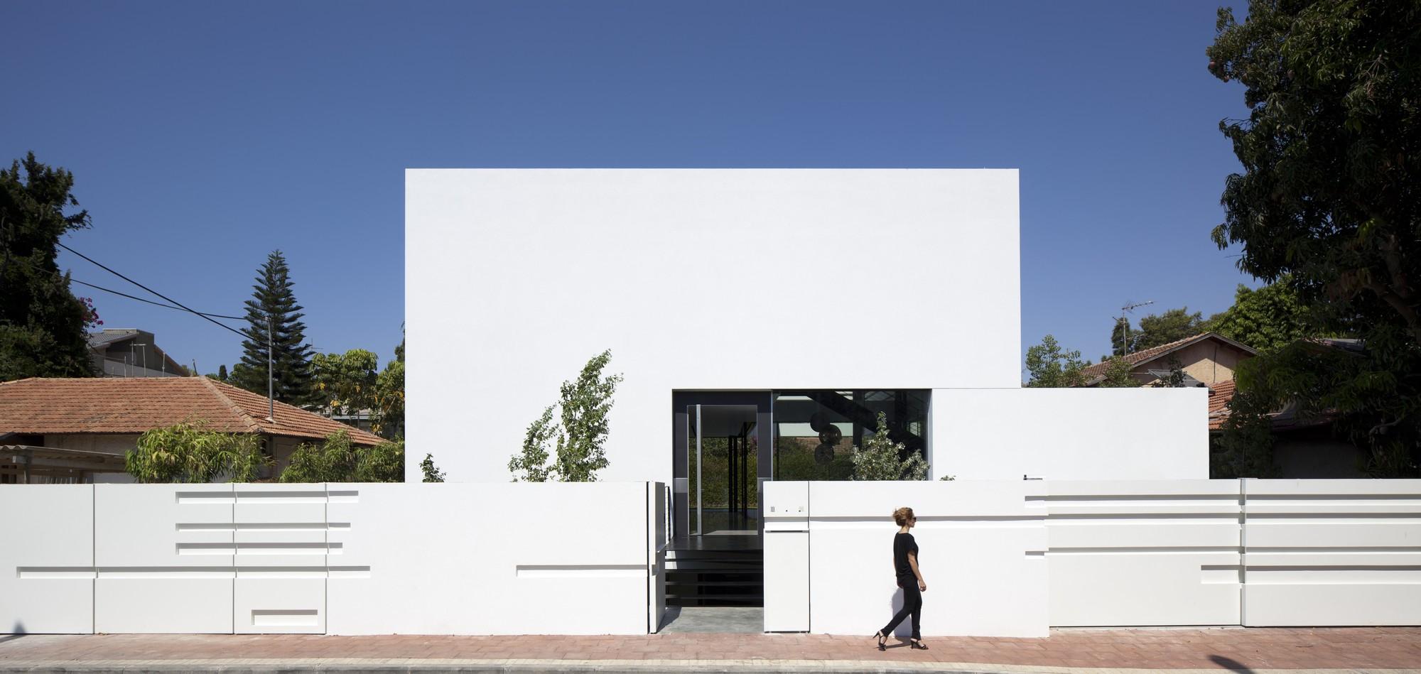 Ramat Gan House 2 / Pitsou Kedem Architects, © Amit Geron