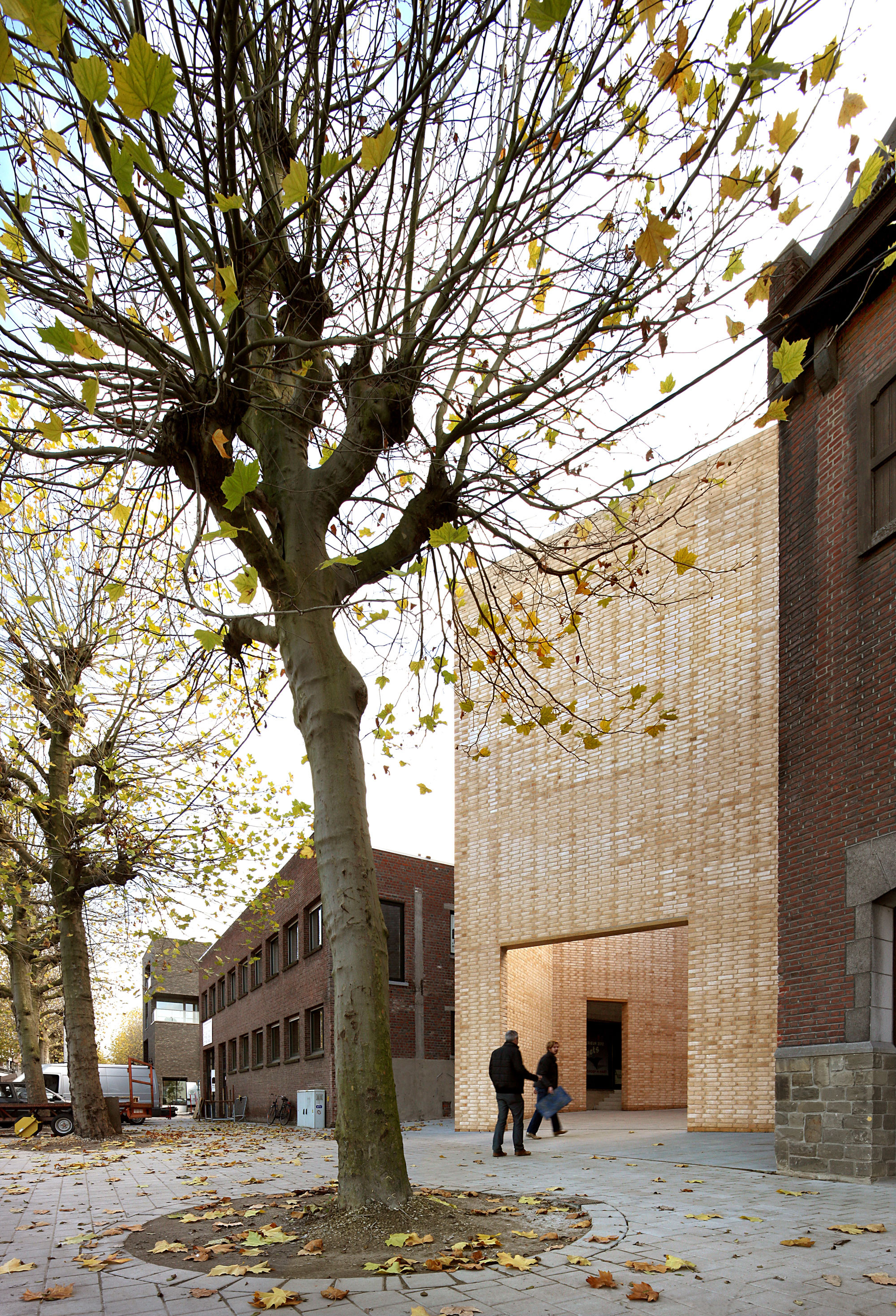 Gallery of buda art centre 51n4e 10 for Dujardin kortrijk