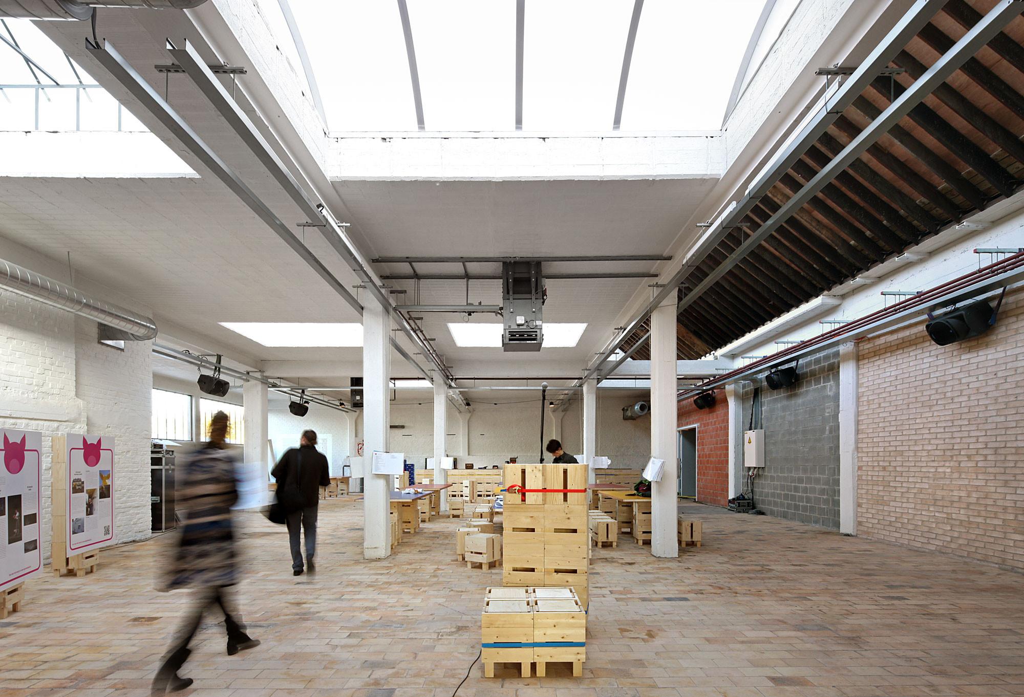 Gallery of buda art centre 51n4e 13 for Dujardin kortrijk