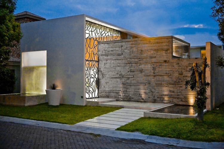 Casa Ita / Taller5 Arquitectos, © Roberto Ortiz