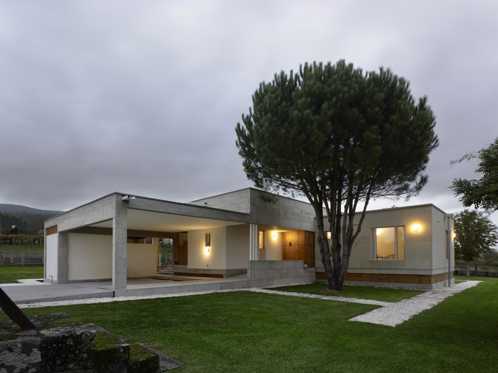 Casa de f tima salgado e li ares arquitectos - Casas prefabricadas a coruna ...