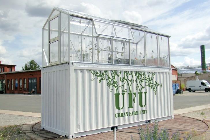 Unidades Urbanas agrícolas transforman viejos containers en Invernaderos de productos orgánicos, © Demien Chivialle