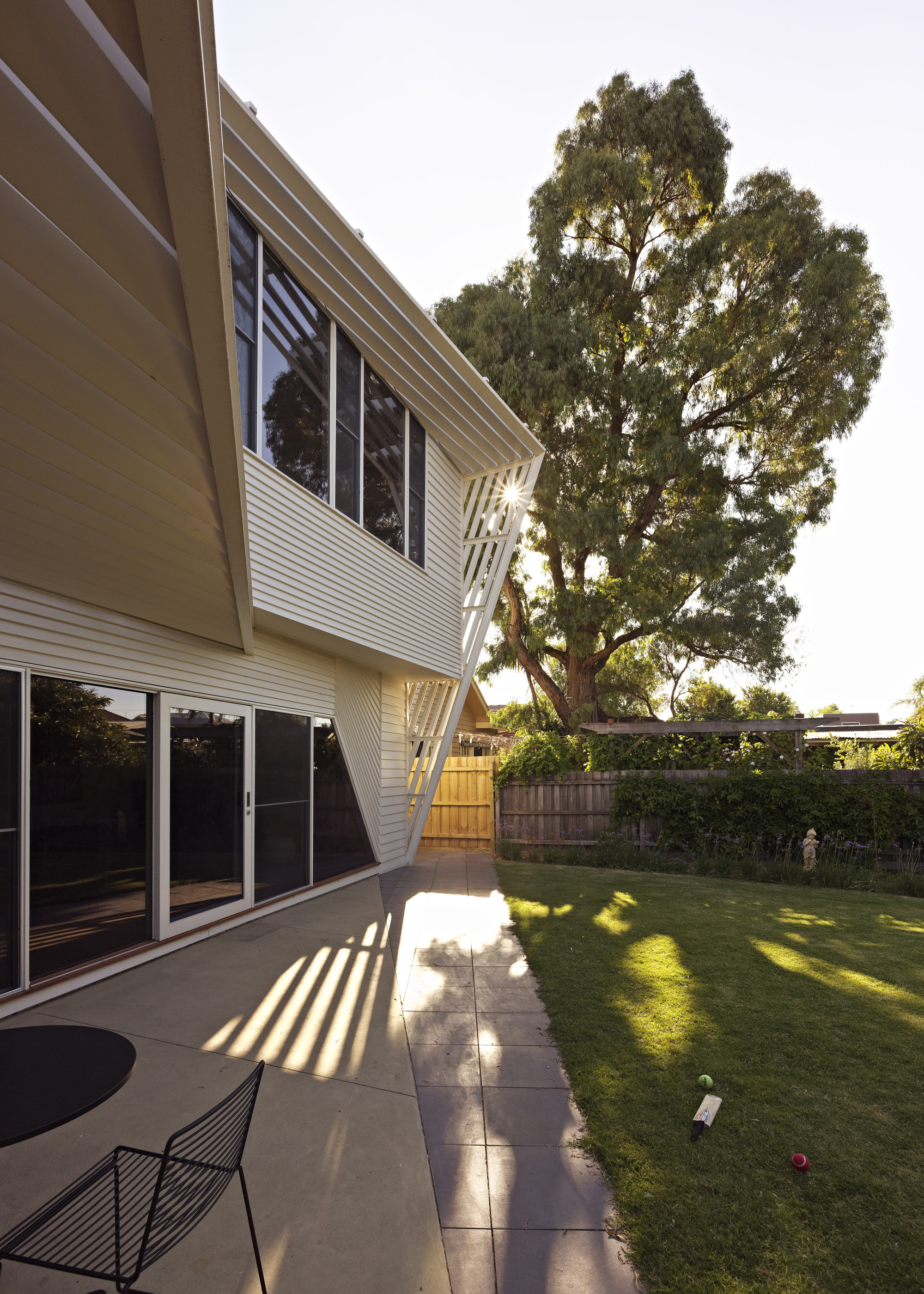 Weatherboard House / FMD Architects