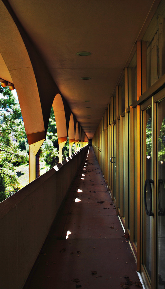 AD Classics: Marin Civic Center / Frank Lloyd Wright, © Flickr User C.M. Keiner