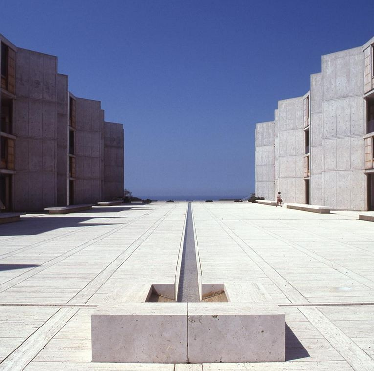 Salk Instutute in La Jolla, California, Louis Kahn 1959-65 C. The Architectural Archives, University of Pennsylvania / © John Nicolais