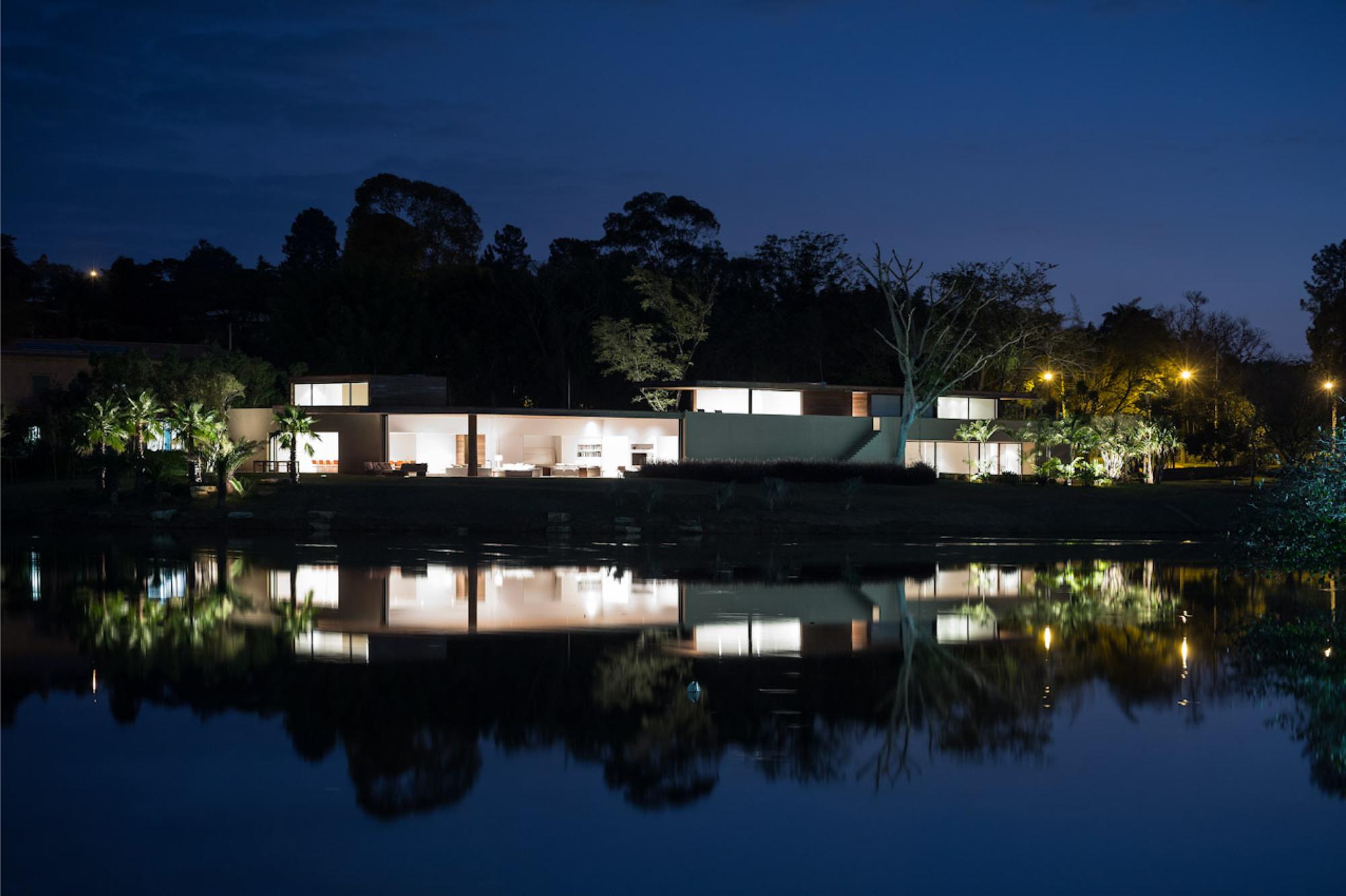 House in Itu / Studio Arthur Casas