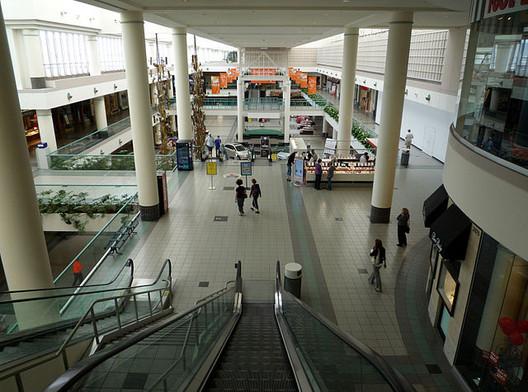Southdale Center, the first modern mall in the world, designed by Victor Gruen, in Edina, Minnesota, USA. Image via Wikimedia User Bobak Ha'Eri