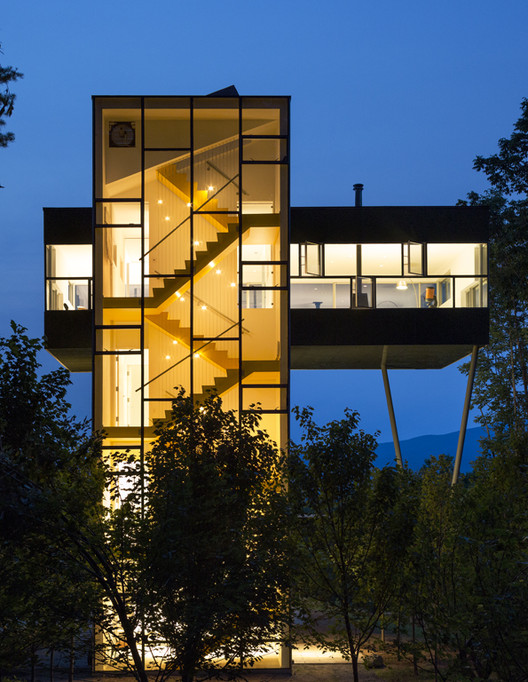Tower House © Paul Warchol