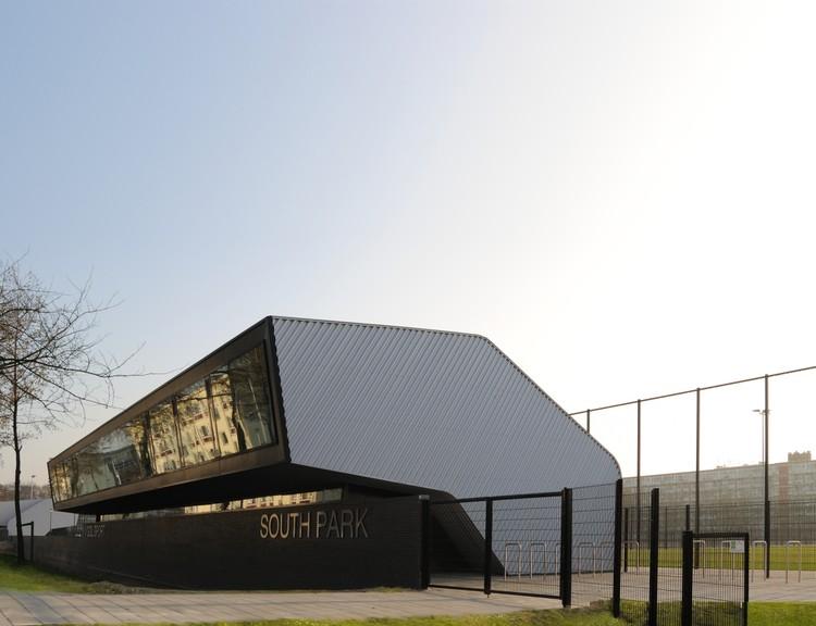 Dos Centros Deportivos Boshuizerkade / René van Zuuk Architects, Cortesía de René van Zuuk Architects