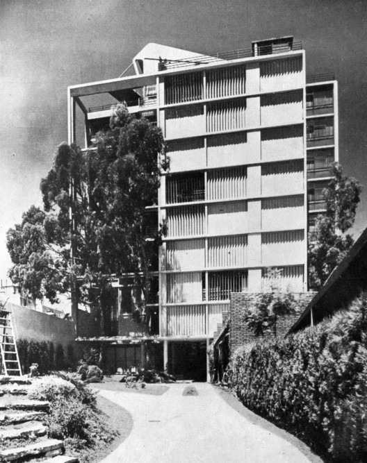 Edificio Los Eucaliptus / Jorge Ferrari Hardoy + Juan Kurchan, Cortesia de Moderna Buenos Aires