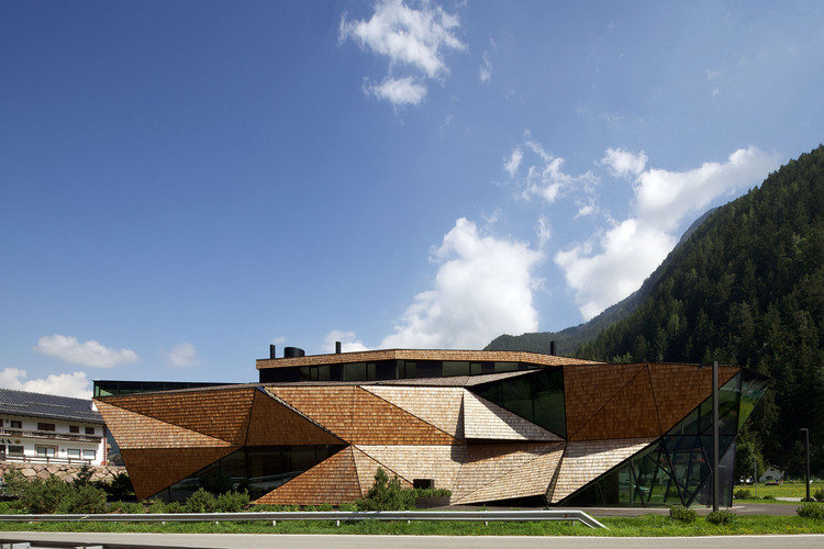 Perathoner / Bergmeister Wolf Architekten, Courtesy of Günter Richard Wett
