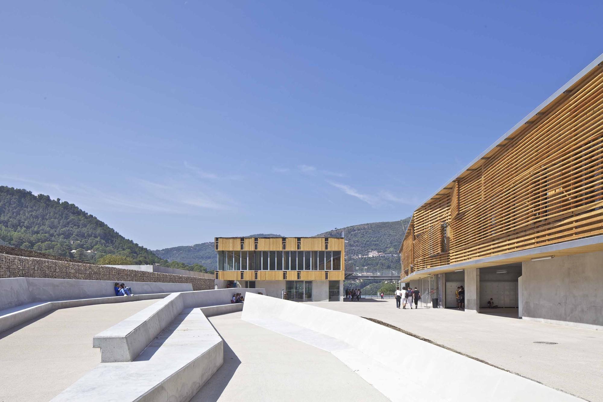 Lycée Régional René Goscinny / José Morales & Rémy Marciano, © Philippe Ruault