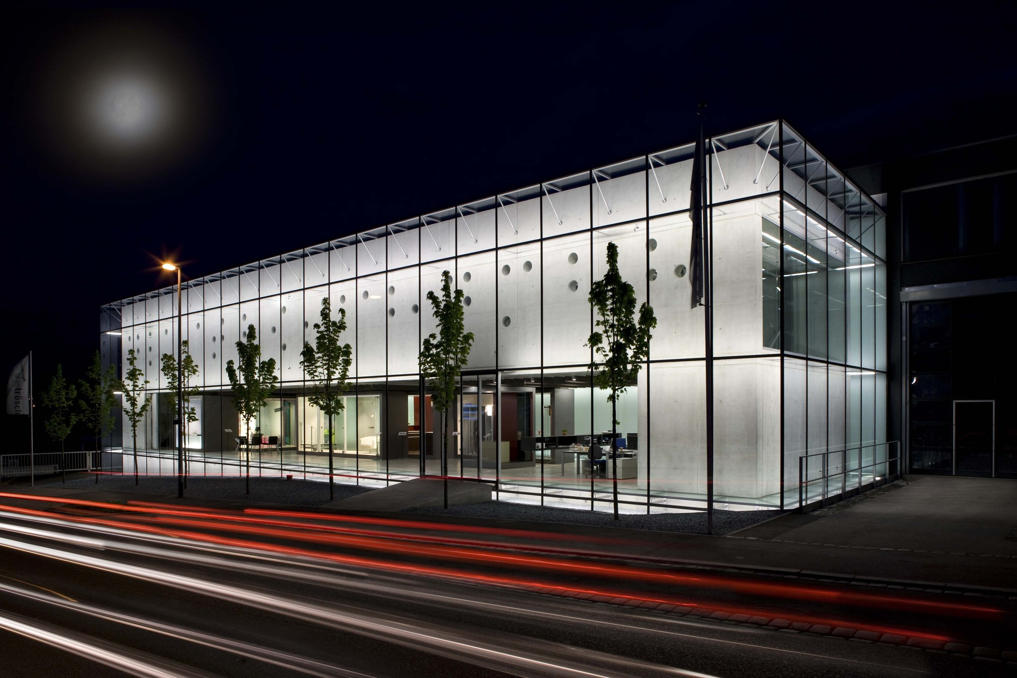 Competence Centre Glastroesch / becker architekten, Courtesy of becker architekten