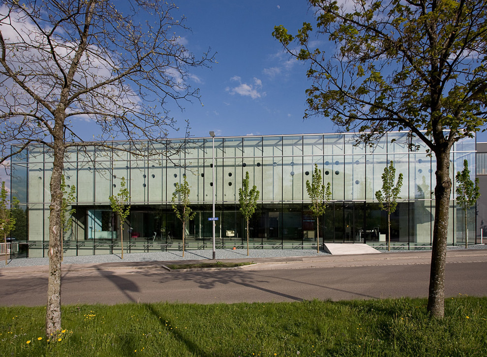Competence Centre Glastroesch / becker architekten