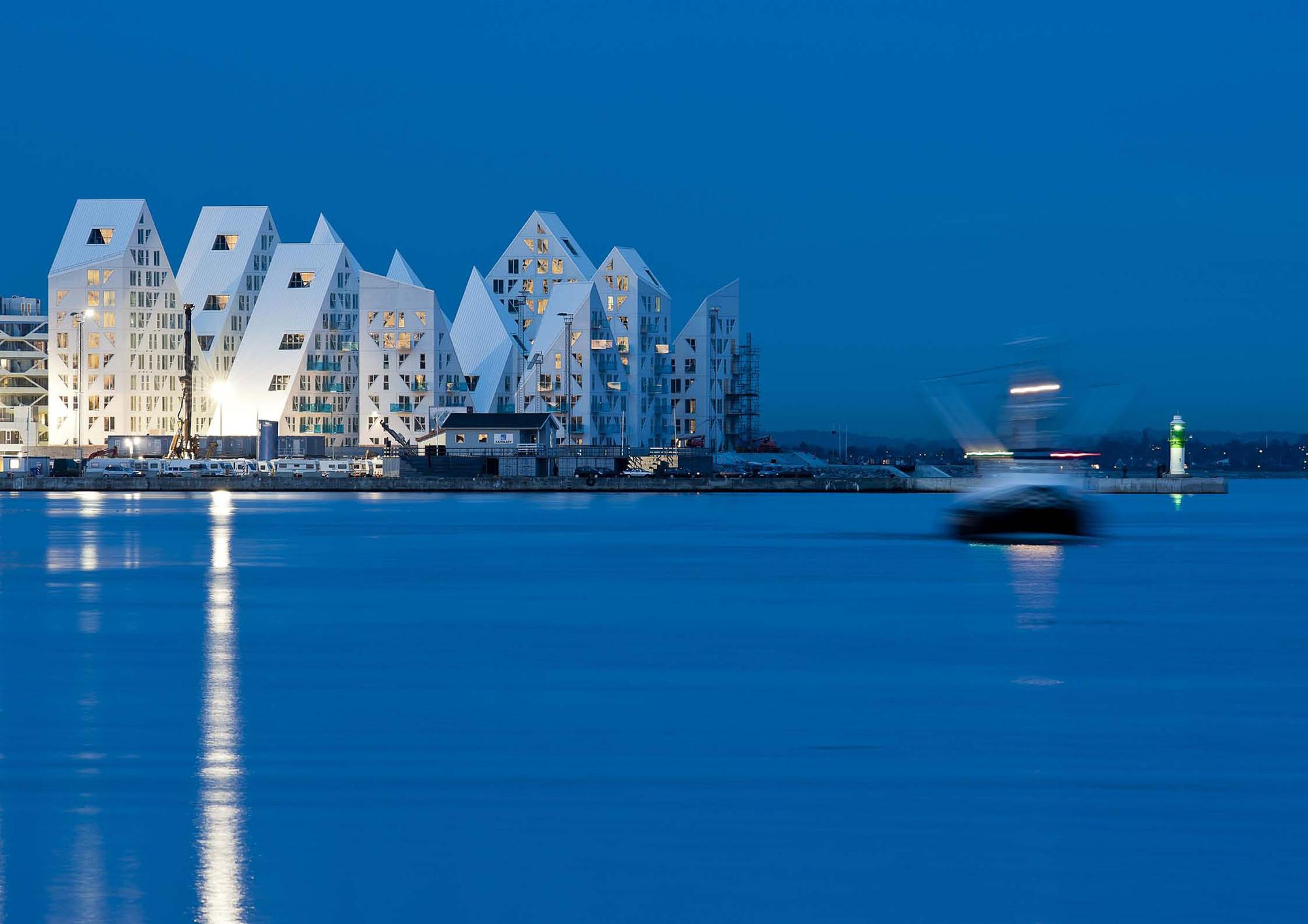 Isbjerget / The Iceberg