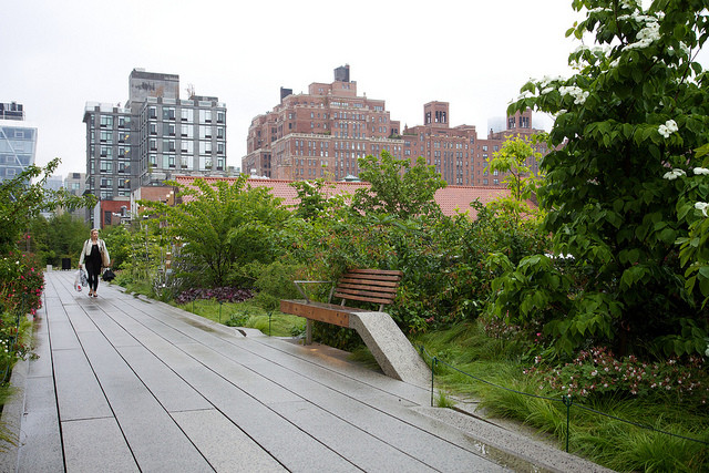 ArchDaily partners with Google for Google Nose BETA, High Line Park smells wet / Photo by Marcin Wichary / http://www.flickr.com/photos/mwichary/