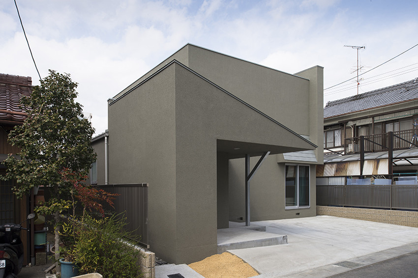 Astounding Gallery Of Small House Form Kouichi Kimura Architects 1 Largest Home Design Picture Inspirations Pitcheantrous
