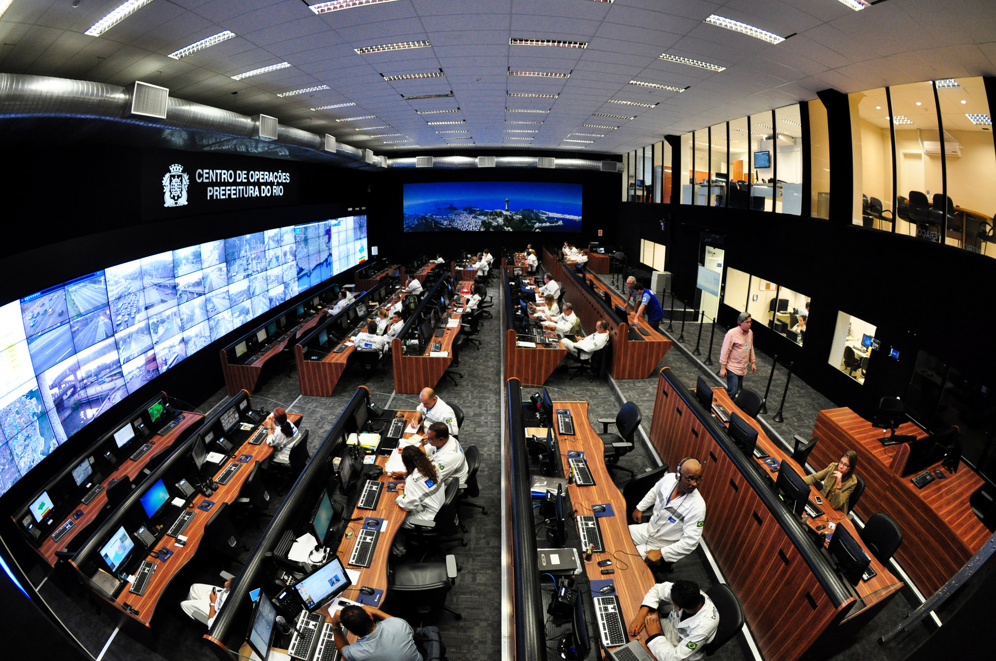 Without Architects, Smart Cities Just Aren't Smart, The Rio de Janeiro Control Center. Image Courtesy of IBM