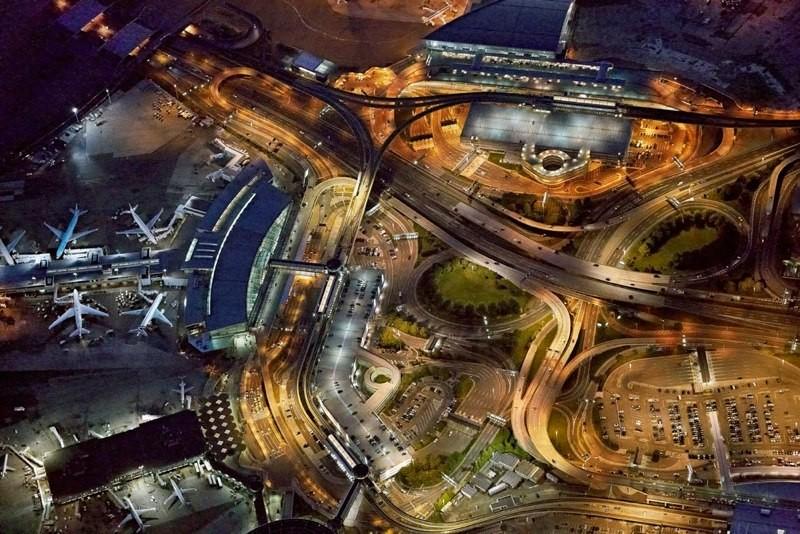 Seen From Above: Jeffrey Milstein Captures the Art of Airport Design, JFK International Airport © Jeffrey Milstein