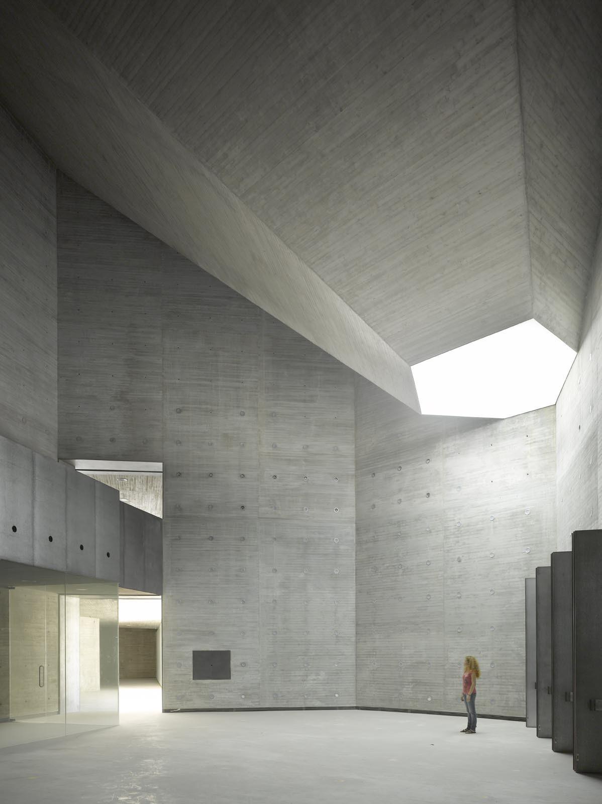 Galer a de espacio andaluz de creaci n contempor nea for Art minimal architecture