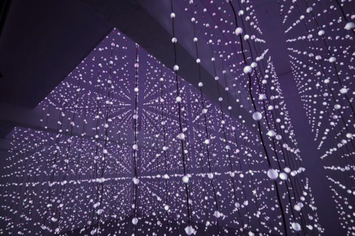 Submergence: un espacio flotante de luces / Squidsoup, © vía Squidsoup
