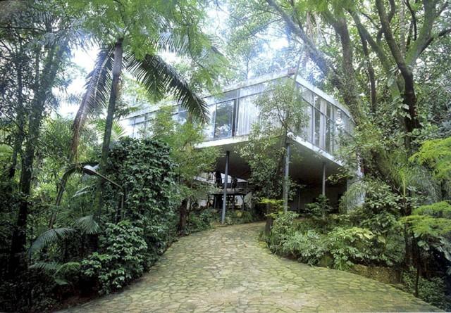 Casa de Vidro de Lina Bo Bardi recebe exposição com curadoria de Hans Ulrich Obrist, Via vejasp.abril.com.br