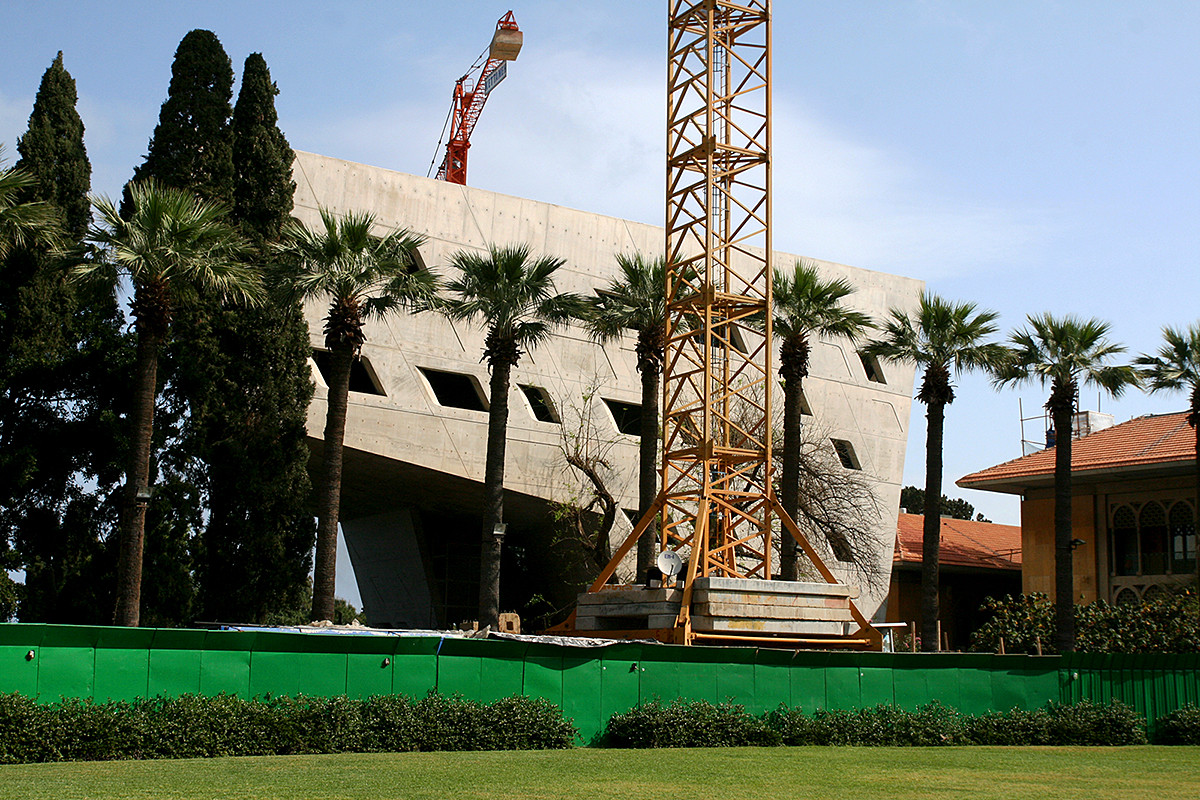 The New 'Context' in Architecture: Learning From Lebanon, The Issam Faris Institute at the American University of Beirut's Historic Campus, in progress. Image ©Ramzi Naja.