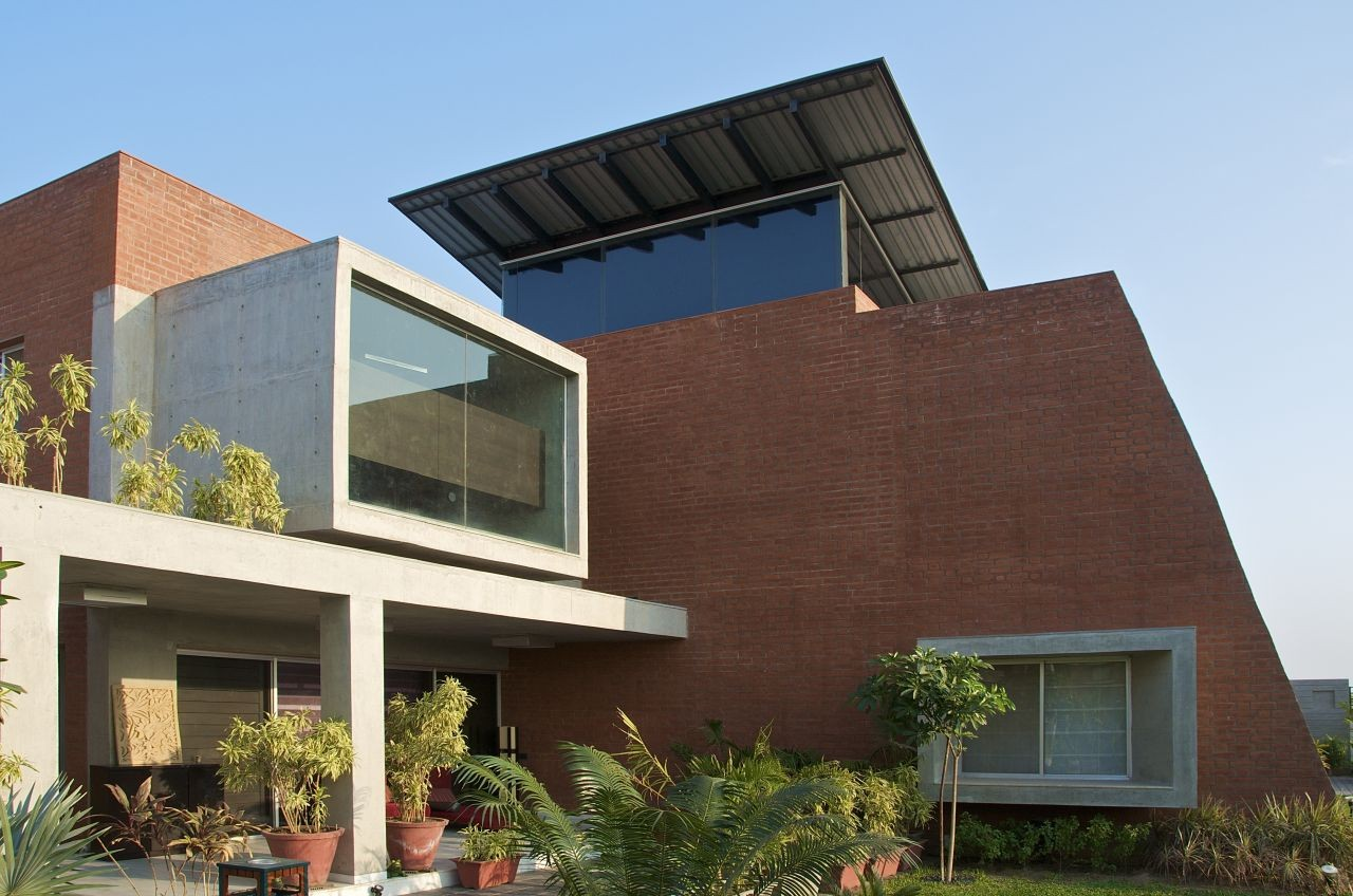 Gallery Of The Brick House Hiren Patel Architects 3