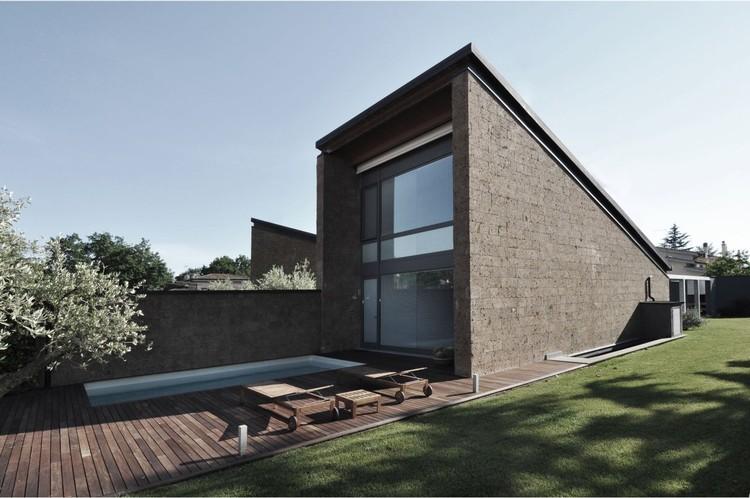 Three-Family Home / Romano Adolini, Cortesía de Romano Adolini