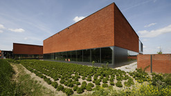 Fletiomare Utrecht Swimming Pool / Slangen + Koenis Architects