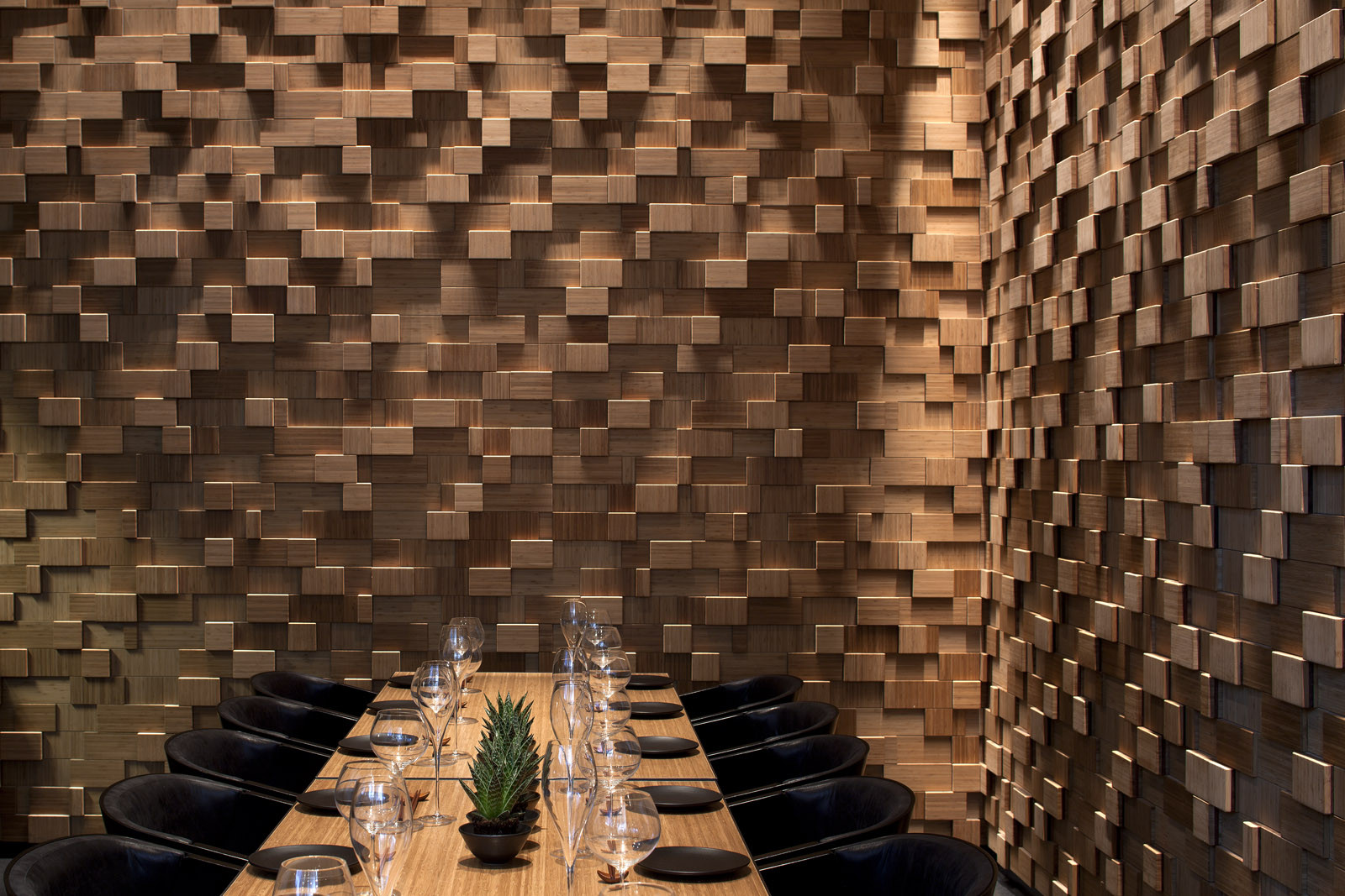 Gallery of taizu restaurant pitsou kedem architects - Deco interieur mur en bois ...