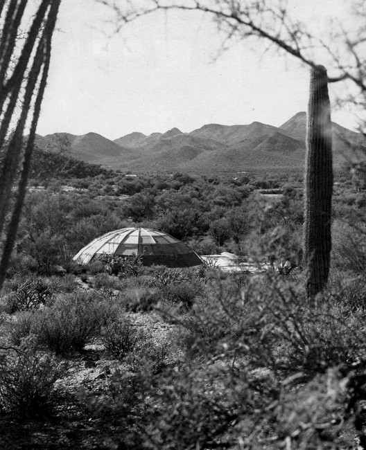 The Dome in the Desert by Wendell Burnette, The Dome in its Sonoran Desert landscape. © 1985 Julius Shulman