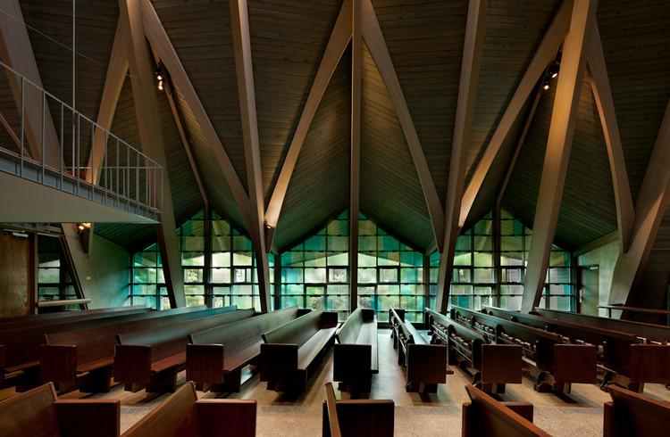 Equipo Episcopal de St. Paul Church / atelierjones, © Lara Swimmer