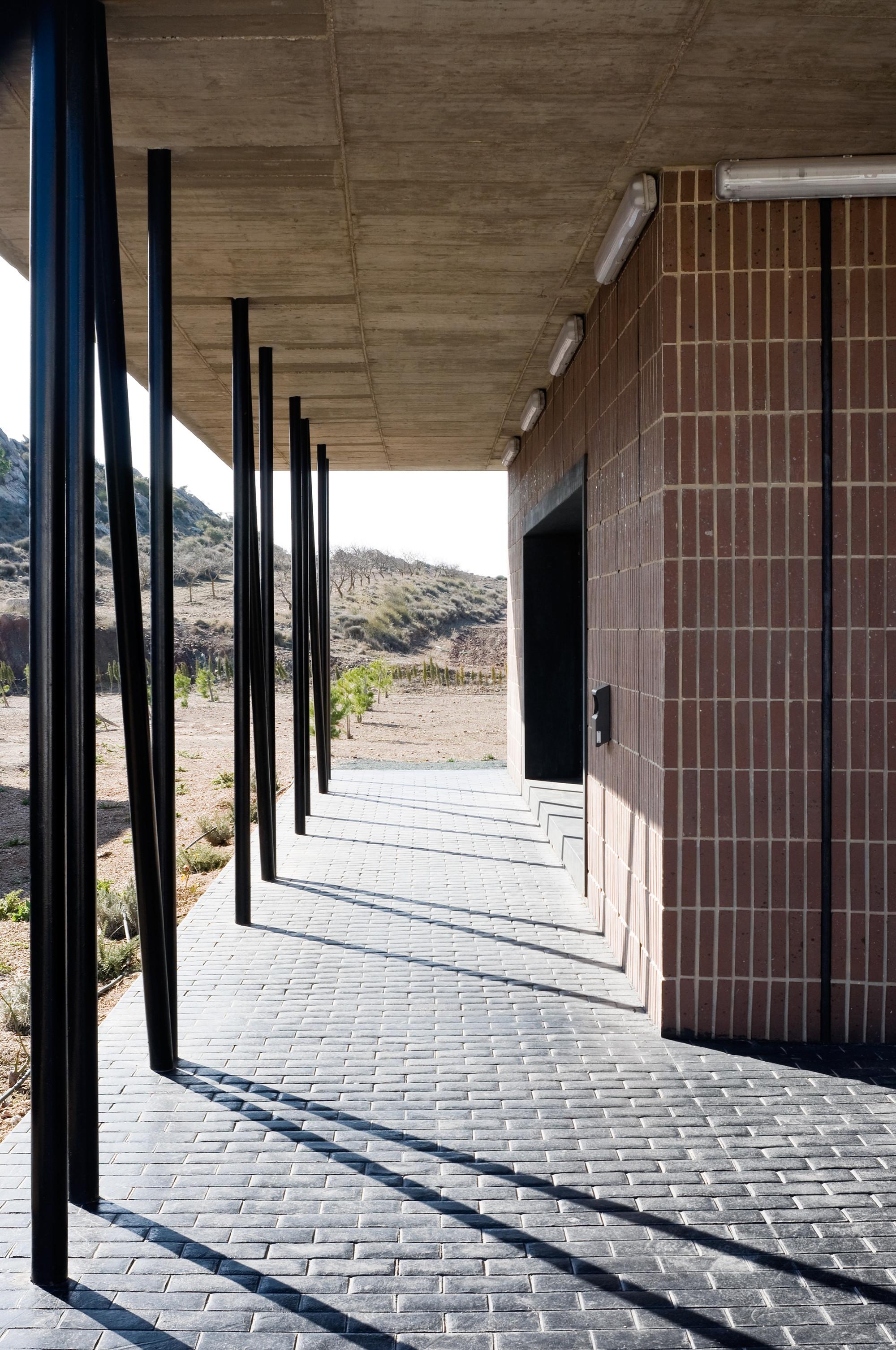 Galer a de velatorio municipal montealegre del castillo albacete dra arquitectos 3 - Arquitectos albacete ...