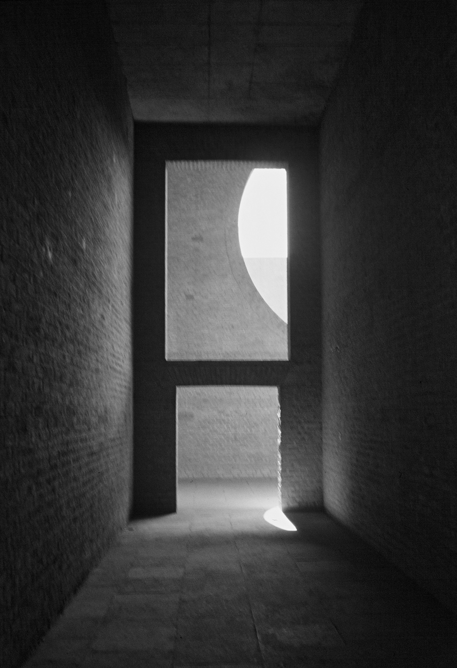Light Matters: Louis Kahn and the Power of Shadow | ArchDaily