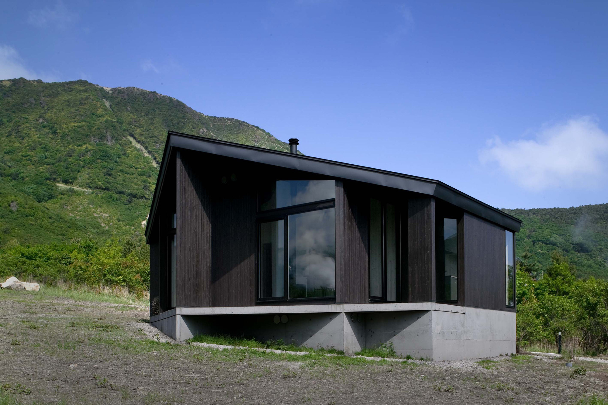 W-House / Uchida Architect Design Office, © Hiroyuki Kawano