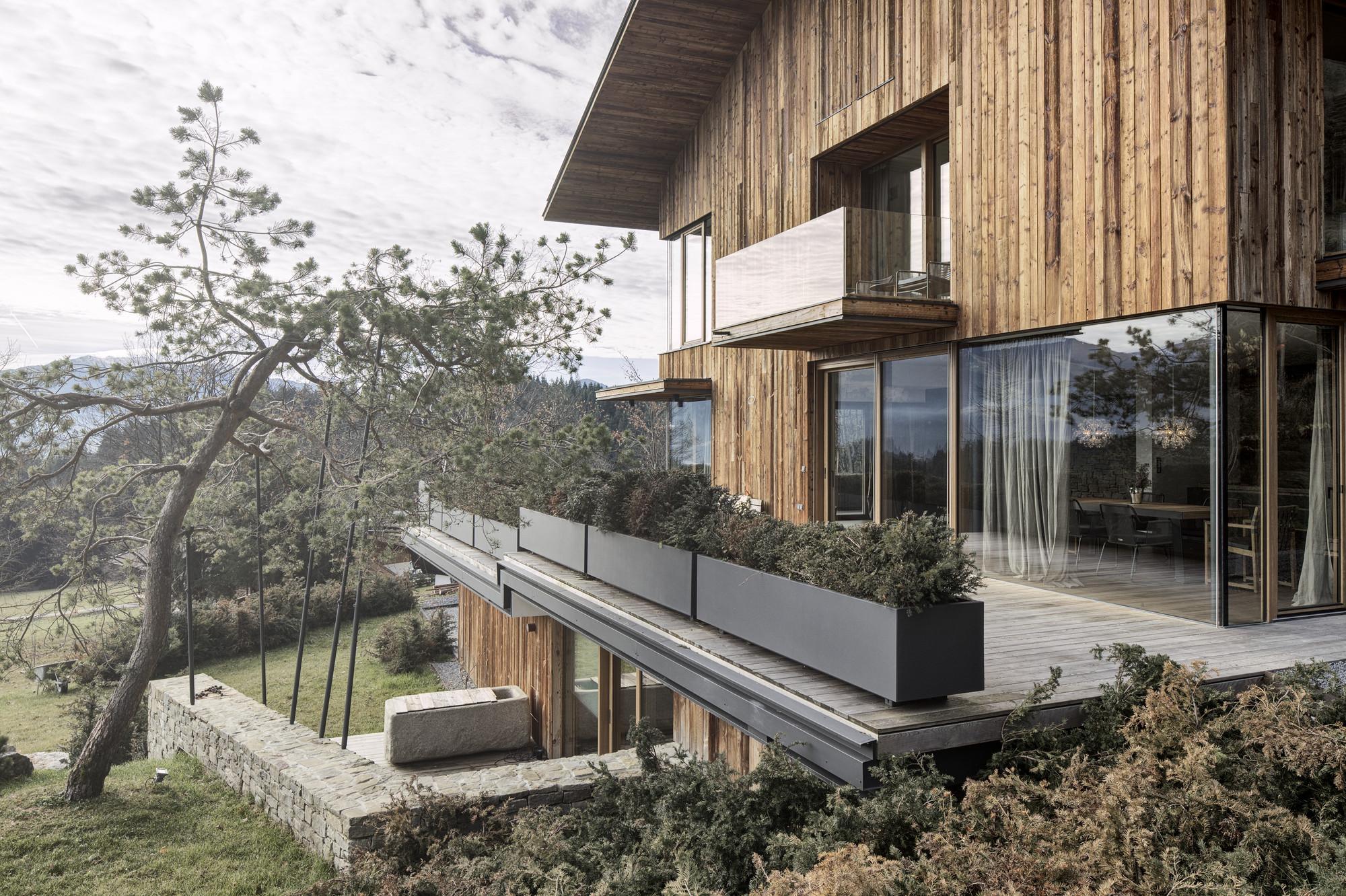 gallery of haus wiesenhof gogl architekten 3. Black Bedroom Furniture Sets. Home Design Ideas