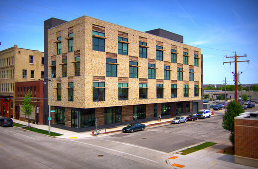 Clock Shadow Building; Milwaukee / Continuum Architects + Planners © Daniel Andera Photography