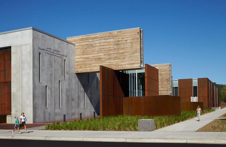 Swenson Civil Engineering Building; Duluth, Minnesota / Ross Barney Architects with SJA Architects © Kate Joyce Studios