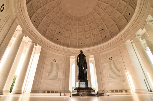 Image of Thomas Jefferson Memorial courtesy of shutterstock.com