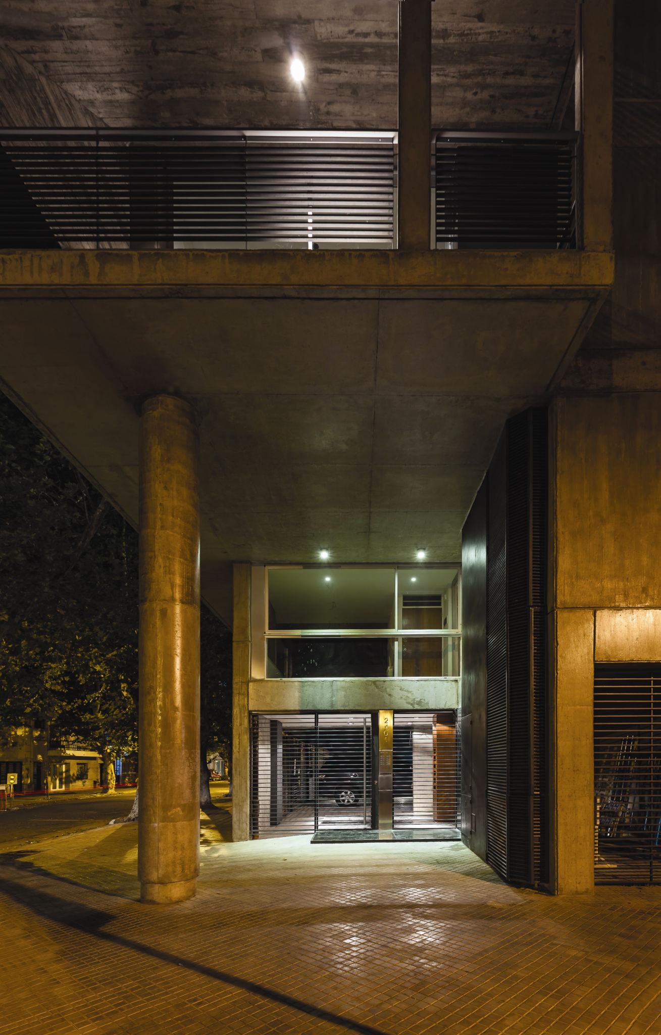 SL 2401 Building / CMS Arquitectas