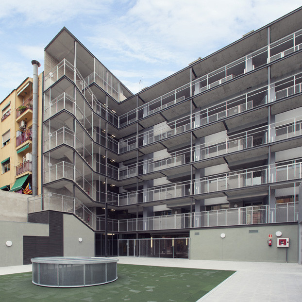 Barcelona Apartment Building: Apartment Building And Learning Center In Barceloneta