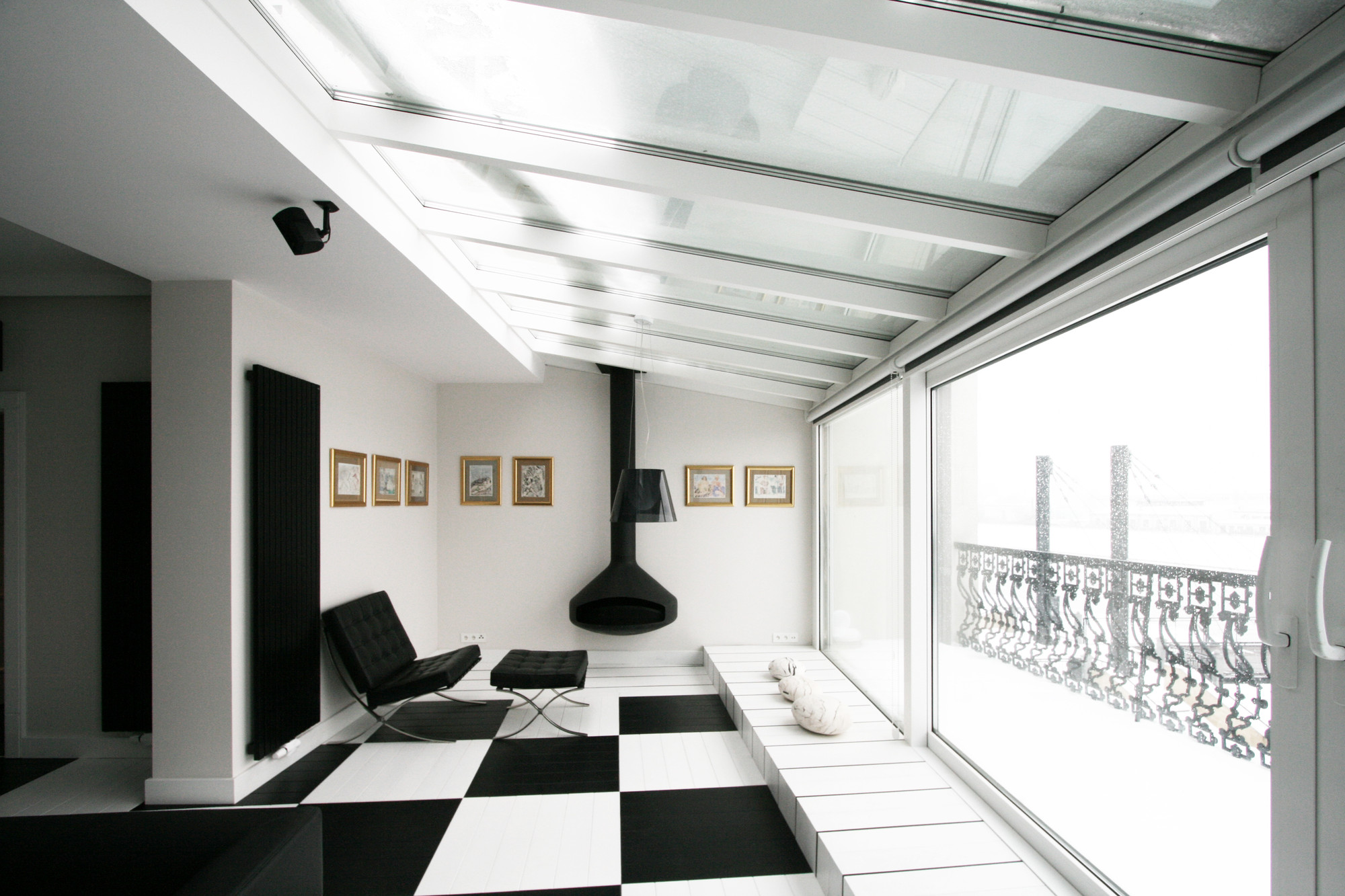Pleasing Black And White Office Toya Design Archdaily Largest Home Design Picture Inspirations Pitcheantrous