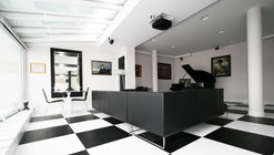 Black and White Office / TOYA Design