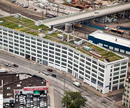 Standard Motor Products Building - Brooklyn Grange | Queens, NY / Ashish Dua